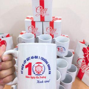 cốc sứ kỷ niệm 10 năm ra trường