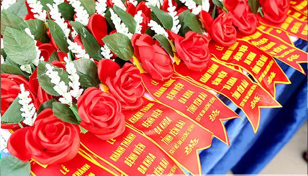 Cung cấp hoa cài áo đại biểu tại Hải Phòng